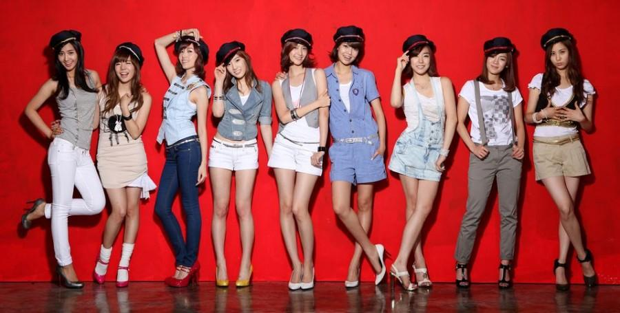 Girls+Generation%2C+a+Korean+singing+group%2C+poses+for+a+publicity+photo.+Junior+Julie+Sierra+presents+readers+the+differences+between+Korean+pop+%28K-pop%29+and+American+pop%2C+including+highlighting+the+way+singers+interact+with+fans.+K-pop+has+been+grabbing+increased+attention+from+American+music+lovers.