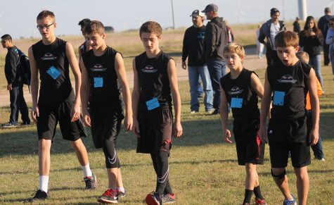 Junior High boys prepare for their race. The boys team got first overall. Aubrey Ritter took first in the junior high girls division.