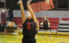 Break in Basketball- Photo of the Day – Dec. 8