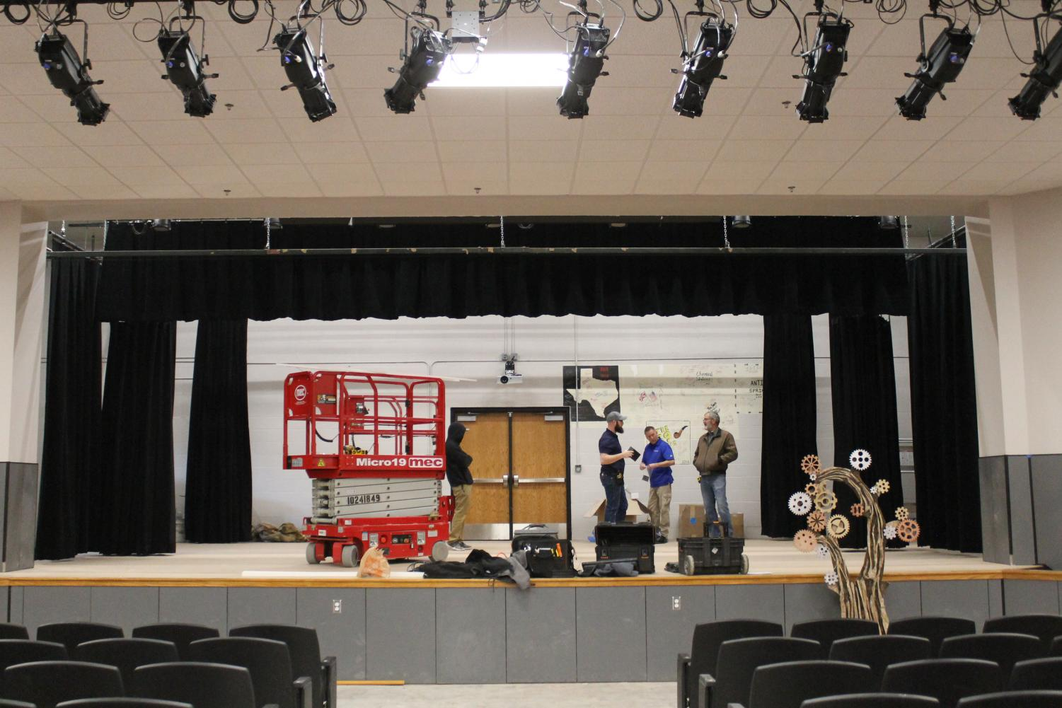 Construction+continues+in+the+new+auditorium.+The+brand+new+curtains+are+being+installed.+%22I+am+very+excited+for+the+new+curtains+in+the+auditorium%2C%22+said+sophomore+crew+member+Saffron+Eugea.